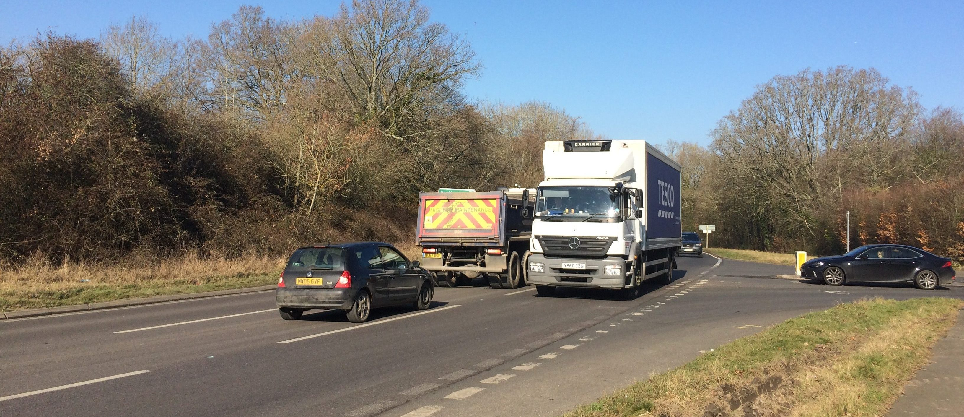 image of heavy traffic at Coopers Corner on the A21